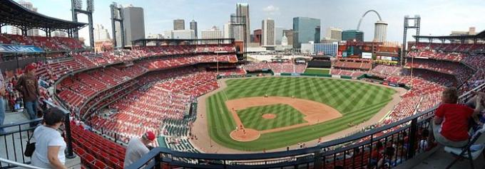 St. Louis Cardinals vs. Milwaukee Brewers at Busch Stadium